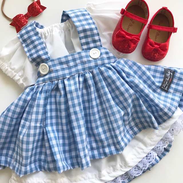 twin costume, wizard of oz costume, baby costume, baby dorothy costume, baby costume, twins first costume, halloween costume, twin costumes, dorothy dress, lion costume, baby halloween costume, baby lion costume, kids, kids fashion,
