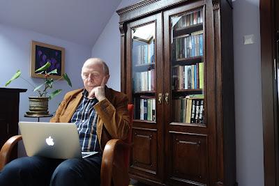 """""""Od dawna prześladują mnie różne słowa"""" - rozmowa z Januszem Niżyńskim"""