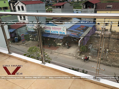 Lap dat lan can cau thang ban cong kinh cuong luc o Thai Nguyen