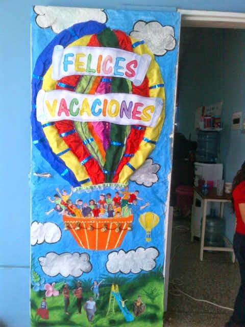 Cajitas de sue os puerta felices vacaciones for Puertas escolares decoradas