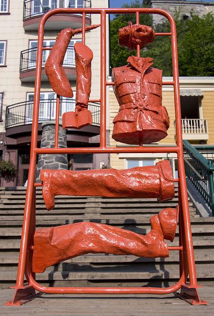 Francis Montillaud_Quiproquo Monumental_Sculpture_Statue_Art public_Passages Insolites_Ex Muro