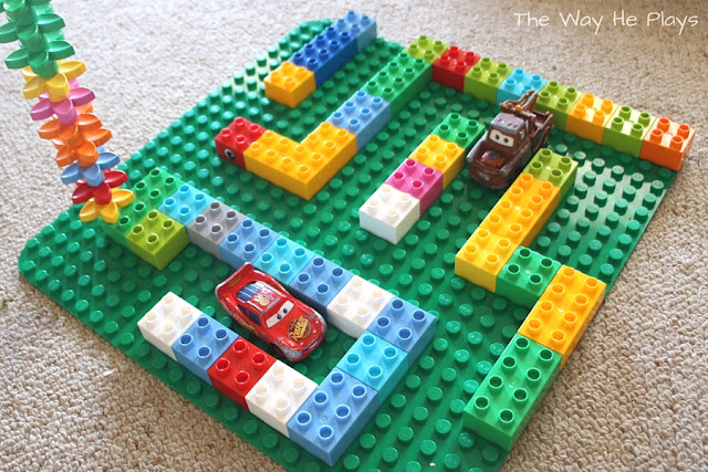 Duplo maze with cars