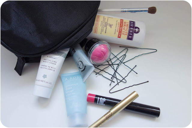 Trousse de maquillage simple