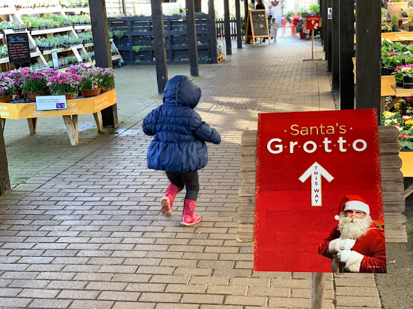 Visiting Santa's Grotto at Wyevale Garden Centre, Braintree (Review)
