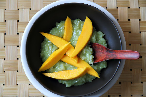 sticky rice and mango