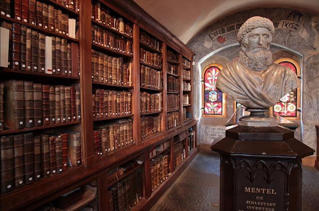 Busto de Johannes Mentelin en la biblioteca Sélestat