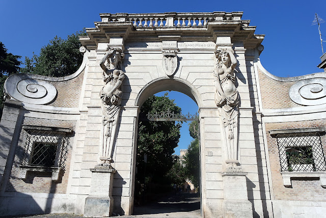 Roma, San Giovanni, Vlog, Roadtrip, voyage, Romain, Italie, vacance, blog, célio, latran, Villa Celimontana,