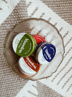 What's New In My Daily Bag: Vaseline Lip Therapy Review