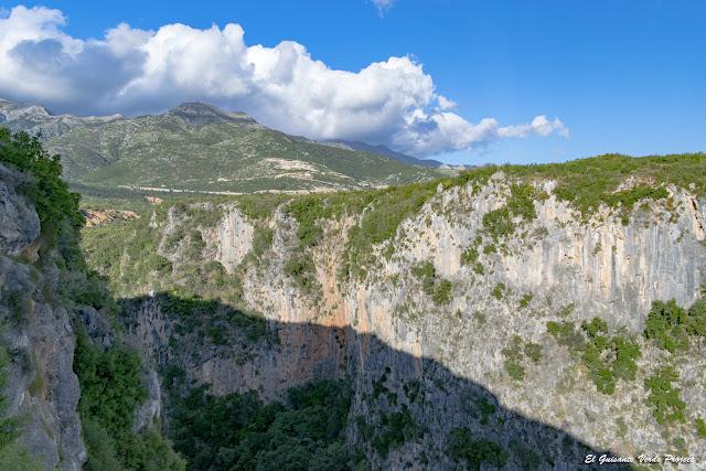 Cañon de Gjipe, paredes rocosas - Himara, Albania por El Guisante Verde Project