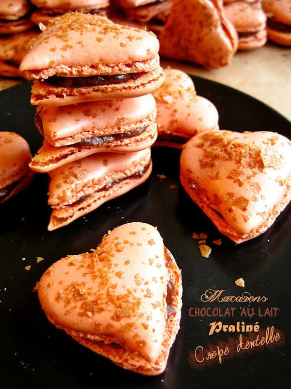 macarons coeur chocolat au lait, praliné et crêpe dentelle
