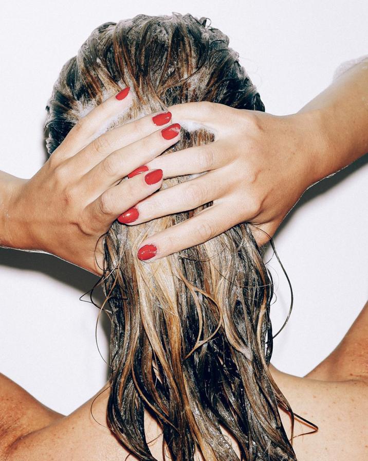 Vitamine che promuovono la crescita di capelli