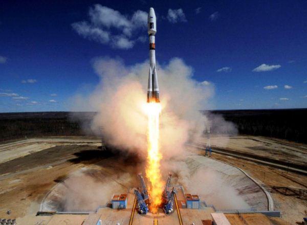 Peluncuran roket Soyuz 2.1A