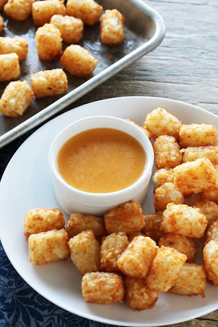 Korean-spiced tater tots with a wonderful gochujang cheese dipping sauce. It's like food truck goodness! There's a reason why Korean fusion food is so popular right now. It's ah-maz-ing!