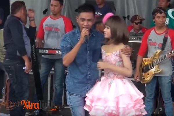 Lirik Lagu Tere Liye Tasya feat Gerry