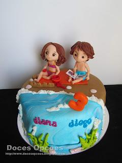 Bolo do 3º aniversário da Diana e do Diogo na praia