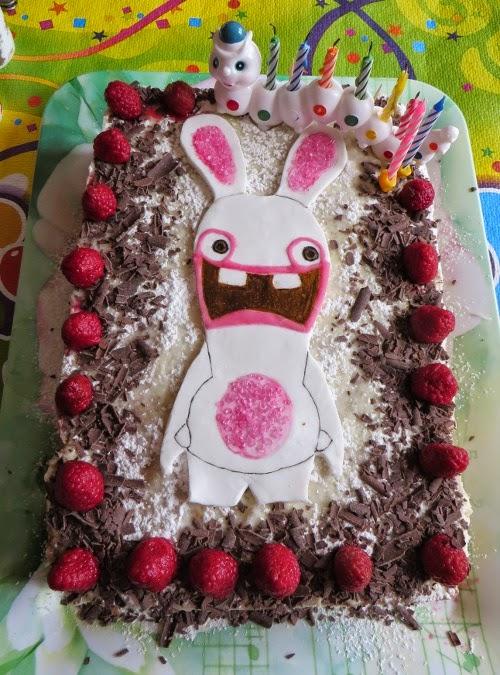 http://lesrecettesdemelanie.blogspot.fr/2014/10/gateau-genoise-au-chocolat-praline.html