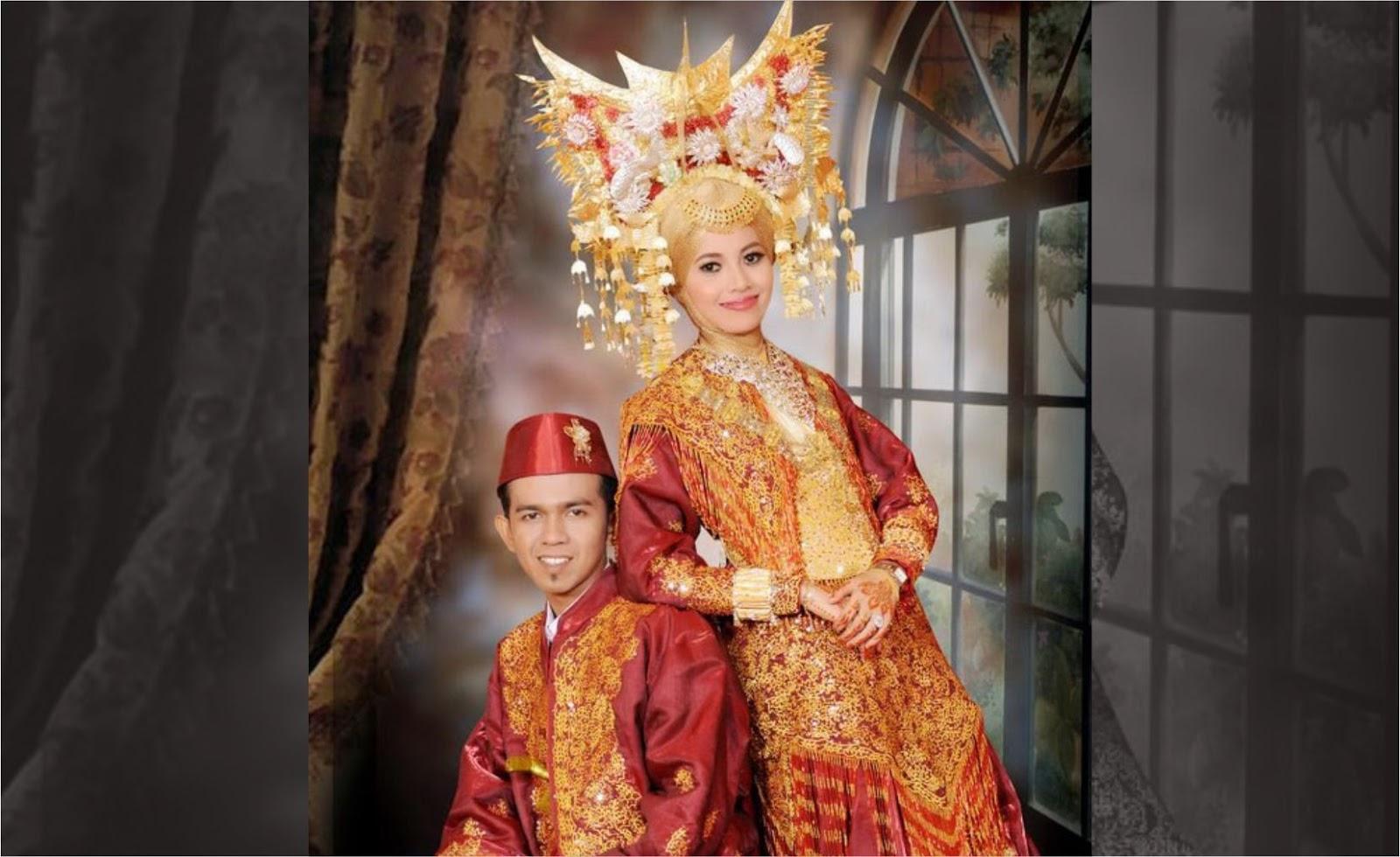 Pakaian Adat Sumatera Barat Bernama