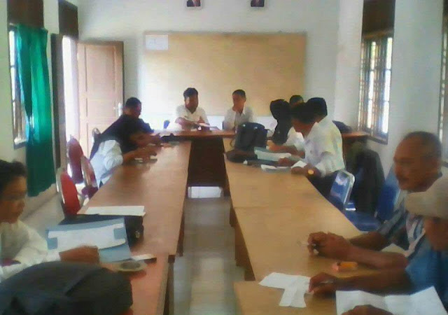 Babinsa Koramil 04/Kuala Hadiri Rapat Koordinasi Mingguan Peternakan di Kantor Dinas