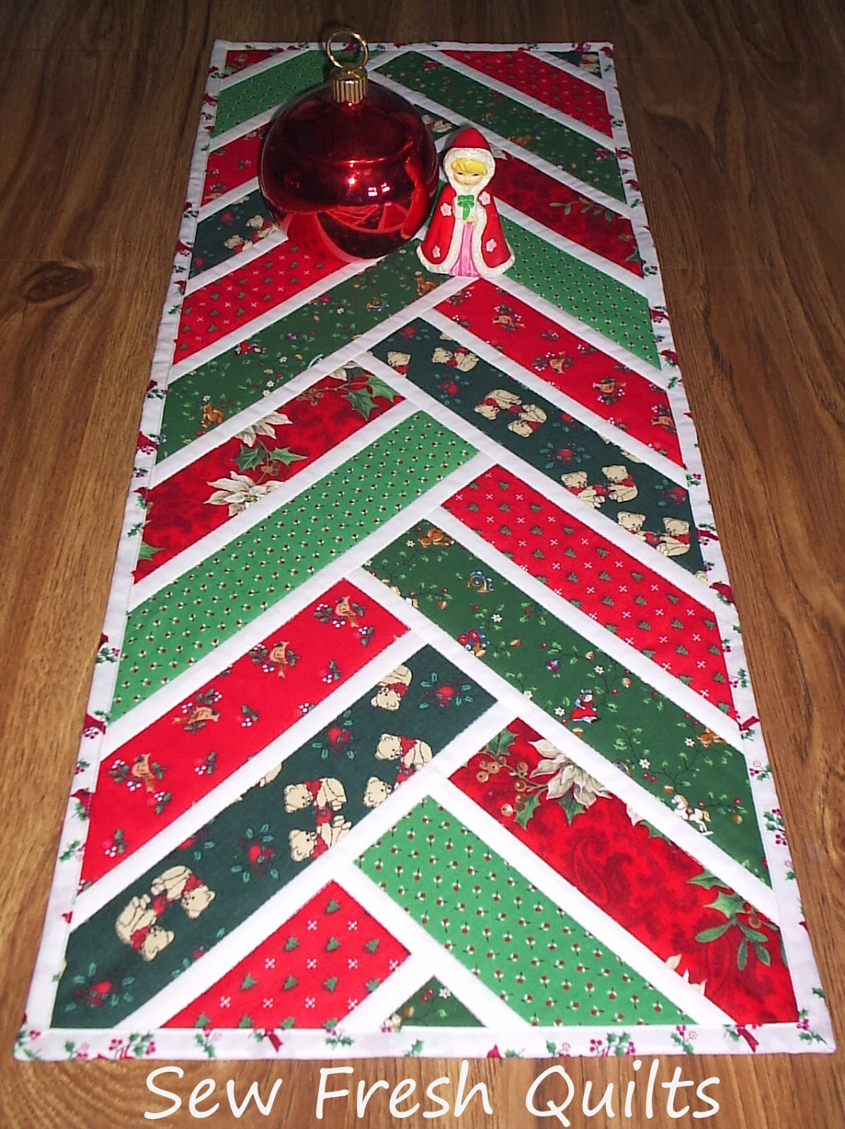 sew fresh quilts christmas is on it 39 s way. Black Bedroom Furniture Sets. Home Design Ideas