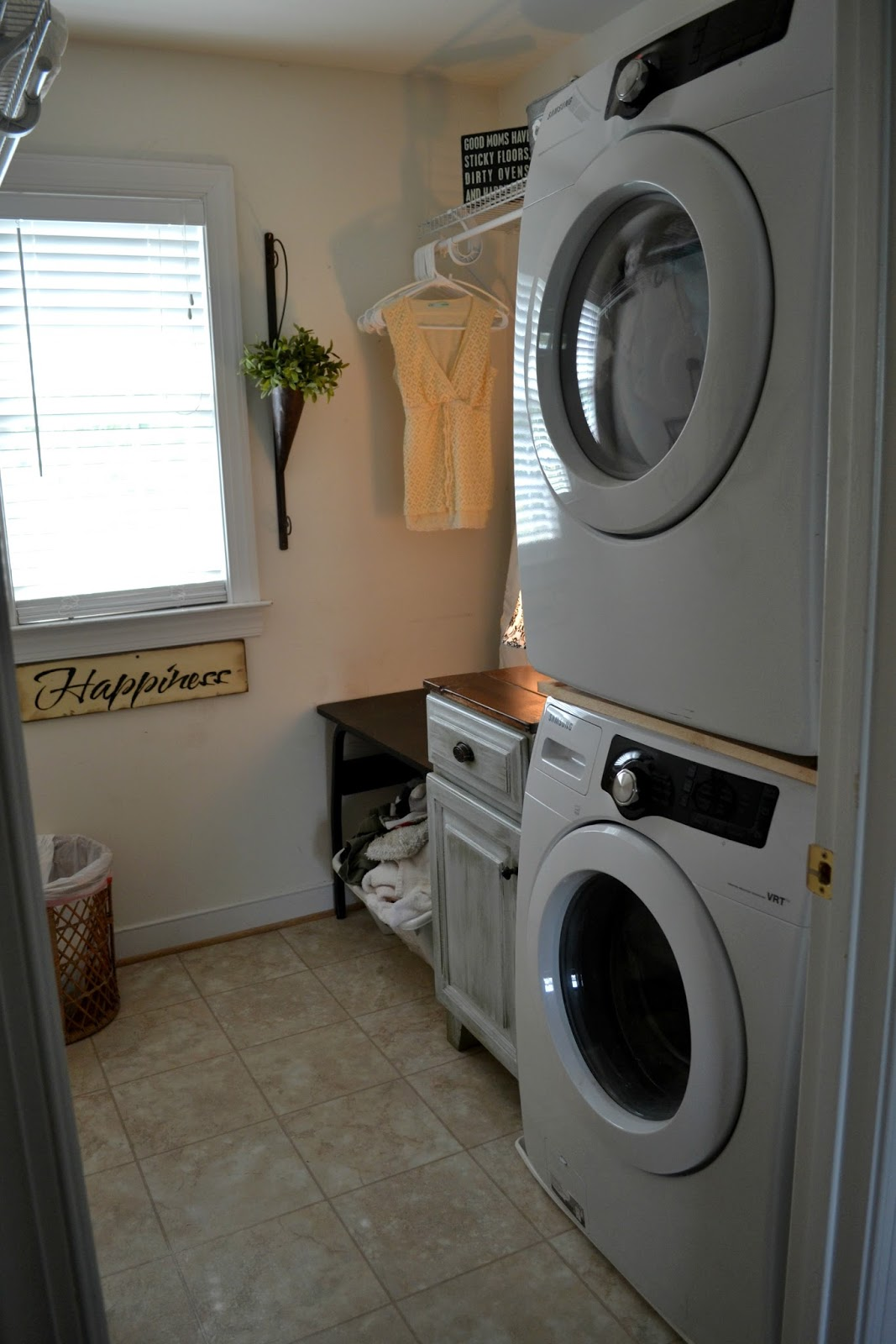 Down To Earth Style Small Laundry Room Making More Space