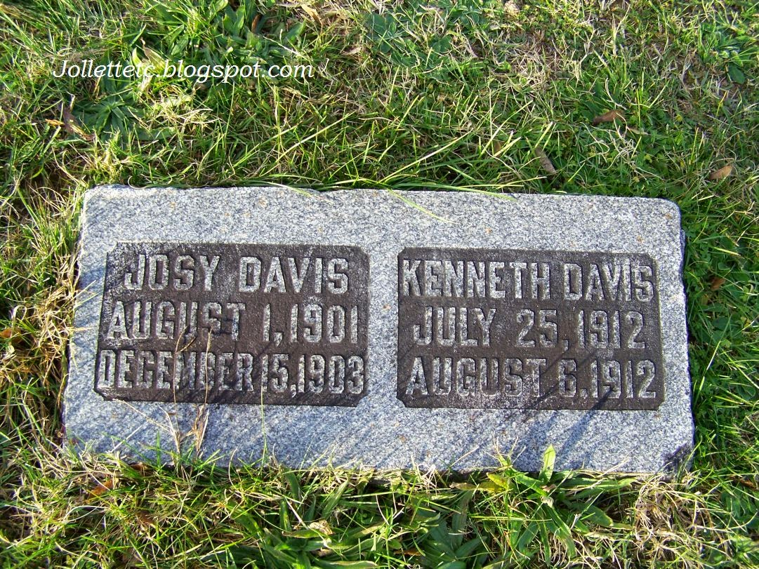 Tombstone of Josy Davis and Kenneth Davis  http://jollettetc.blogspot.com