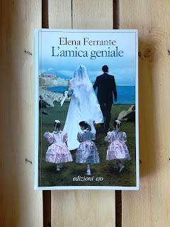 L'amica geniale Elena Ferrante recensione Felice con un libro
