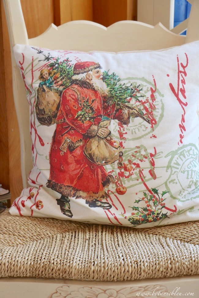 french santa christmas green red pillow