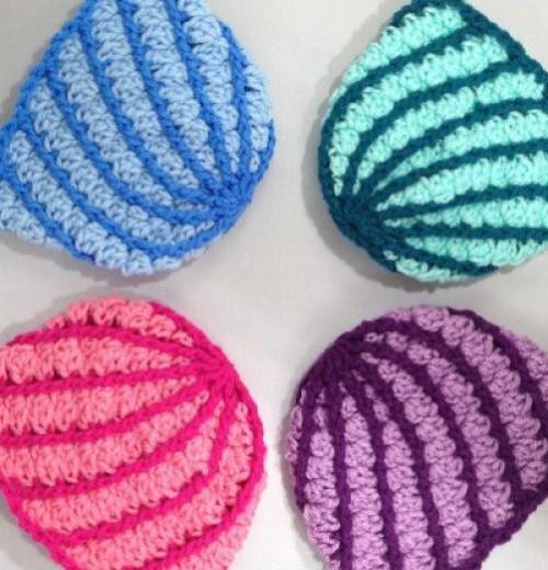 Whirly Swirly Baby Hats - Free Pattern