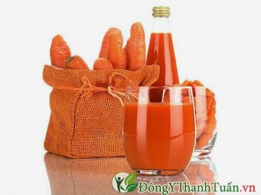 Chữa đau họng hiệu quả bằng nước cà rốt