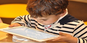 Should Tablets Replace Textbooks in Schools or not?