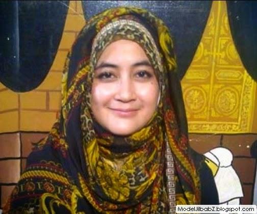 Model Jilbab Umi Pipik Dian Irawati