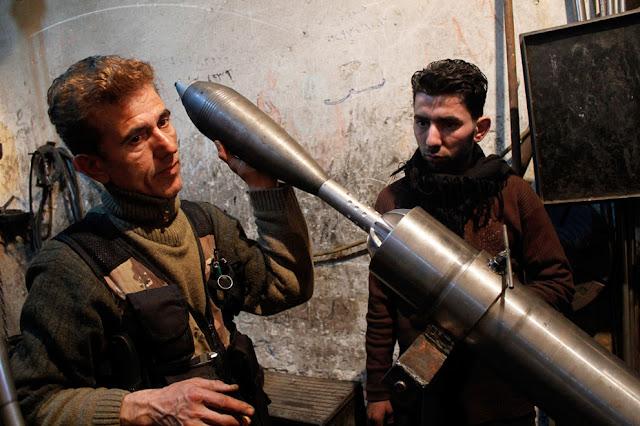 Granada de mortero casera en Siria