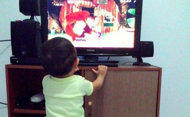 Jika Tak Ingin Anak Jadi Autis, Jangan Kasih Batita Gadget Dan Tontonan TV Berlebihan