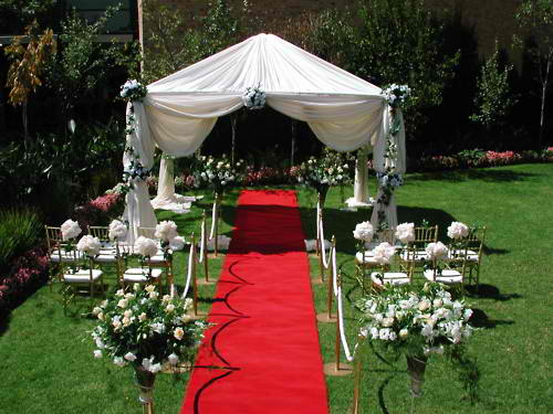 Love My Weddings: Garden Ceremony Setup