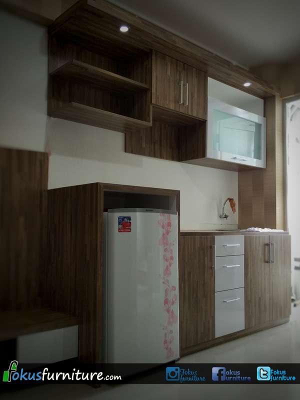 Furniture set apartemen bassura furniture kitchen set for Kitchen set lurus