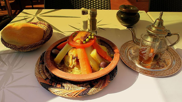 How-to-prepare-Moroccan-tajine-vegetables and-meat-through-simple-and-easy-step-