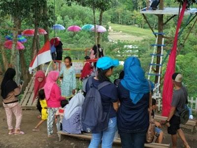 Wisata Bukit Pangonan Suasana pengunjung
