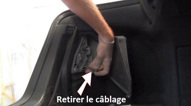 Comment changer une ampoule de clignotant arrière