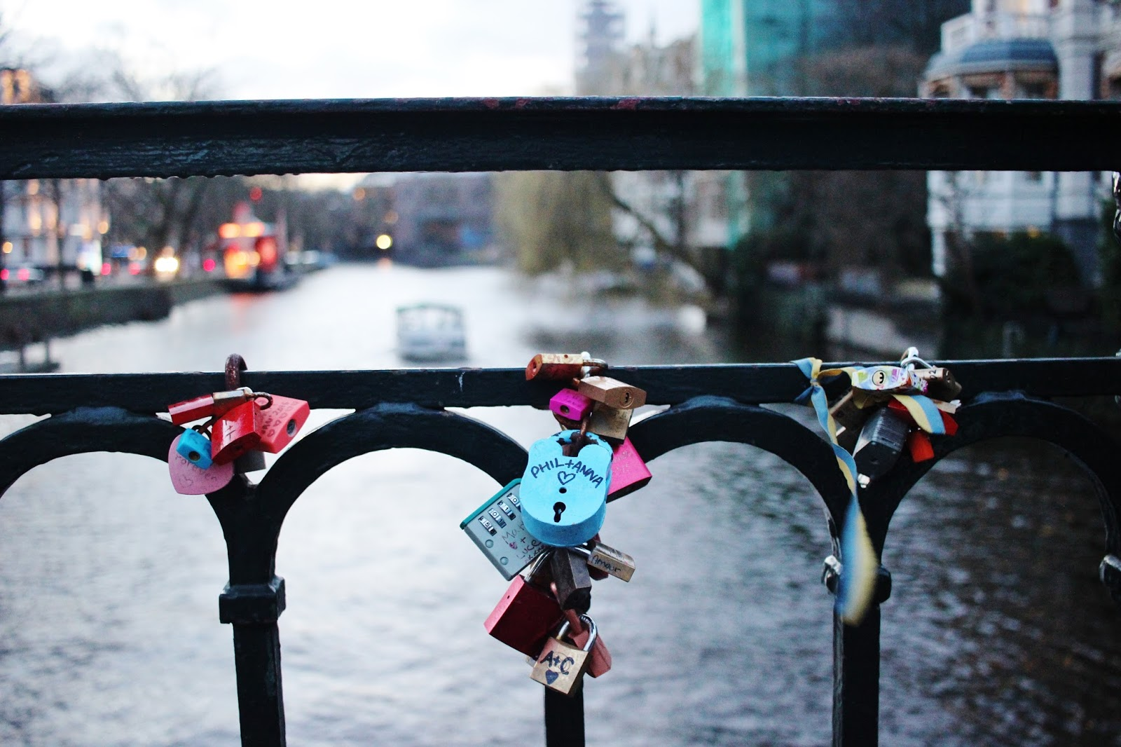 candados en puentes