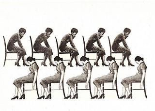 Diez mujeres de perfil sentadas en sillas