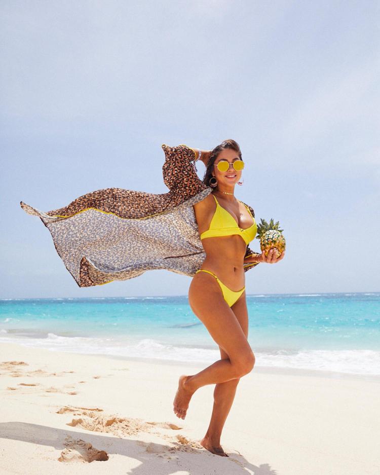 Arianny Celeste Hot Bikini Photoshoot Images