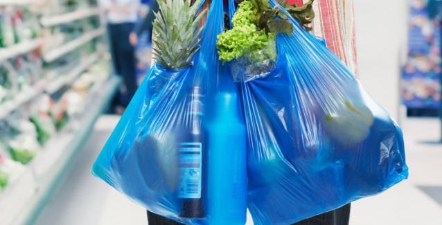 Τα διπλά θα κοστίζει η πλαστική σακούλα στην Βρετανία- αύξηση στο περιβαλλοντικό τέλος γιαυτό το παραμύθι περί κλιματικής αλλαγής