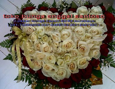 rangkaian karangan bunga mawar