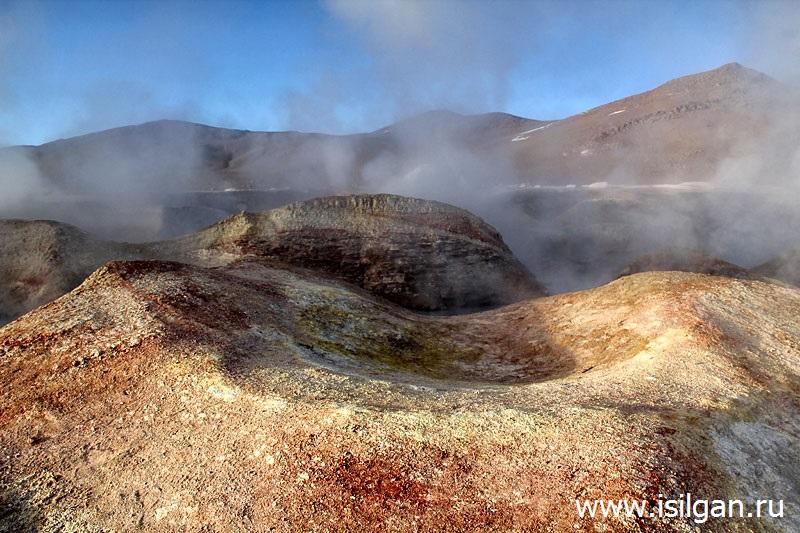 Геотермальное поле Соль-де-Маньяна (Sol de Manana). Плато Альтиплано (Altiplano). Боливия