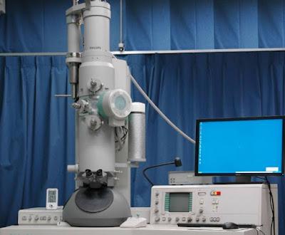 Ηλεκτρονικό μικροσκόπιο στο Εργαστήριο Αρχαιομετρίας του Πανεπιστημίου Πελοποννήσου