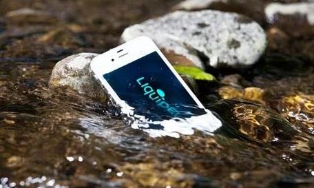 selamatkan ponsel terkena air