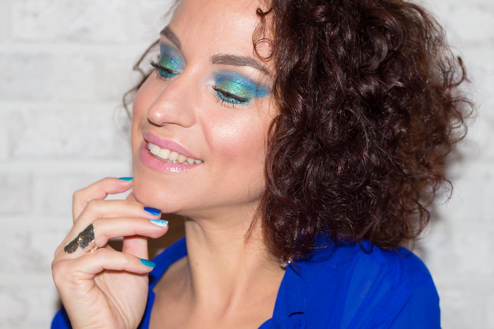 maquillage - fete - paillettes - turquoise