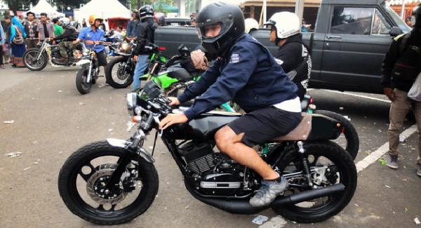 Daftar Helm Seharga Motor