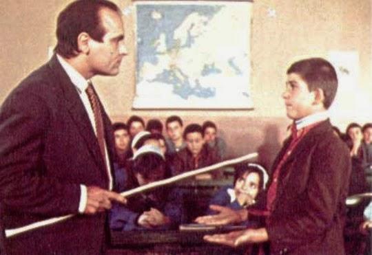 """""""Το ξύλο βγήκε από το παράδεισο"""": H «βέργα» επανέρχεται σε σχολείο για τους ατίθασους μαθητές"""