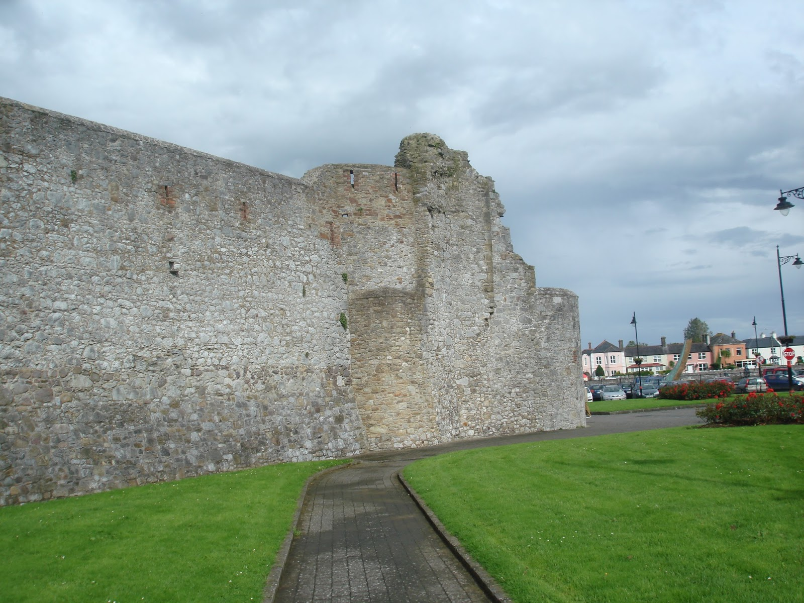 Curtain Wall Medieval Times : Medieval news dungarvan castle an outline history